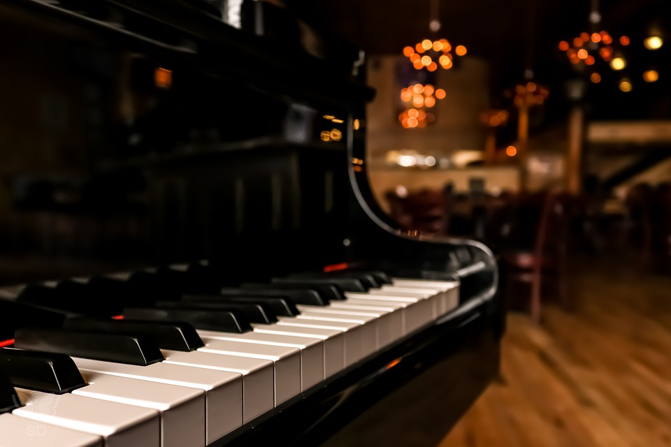 A piano in a hotel lobby - the perfect place to find good piano movers in Minnesota.