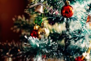 Tips for storing Christmas decorations, such as balls and bells.